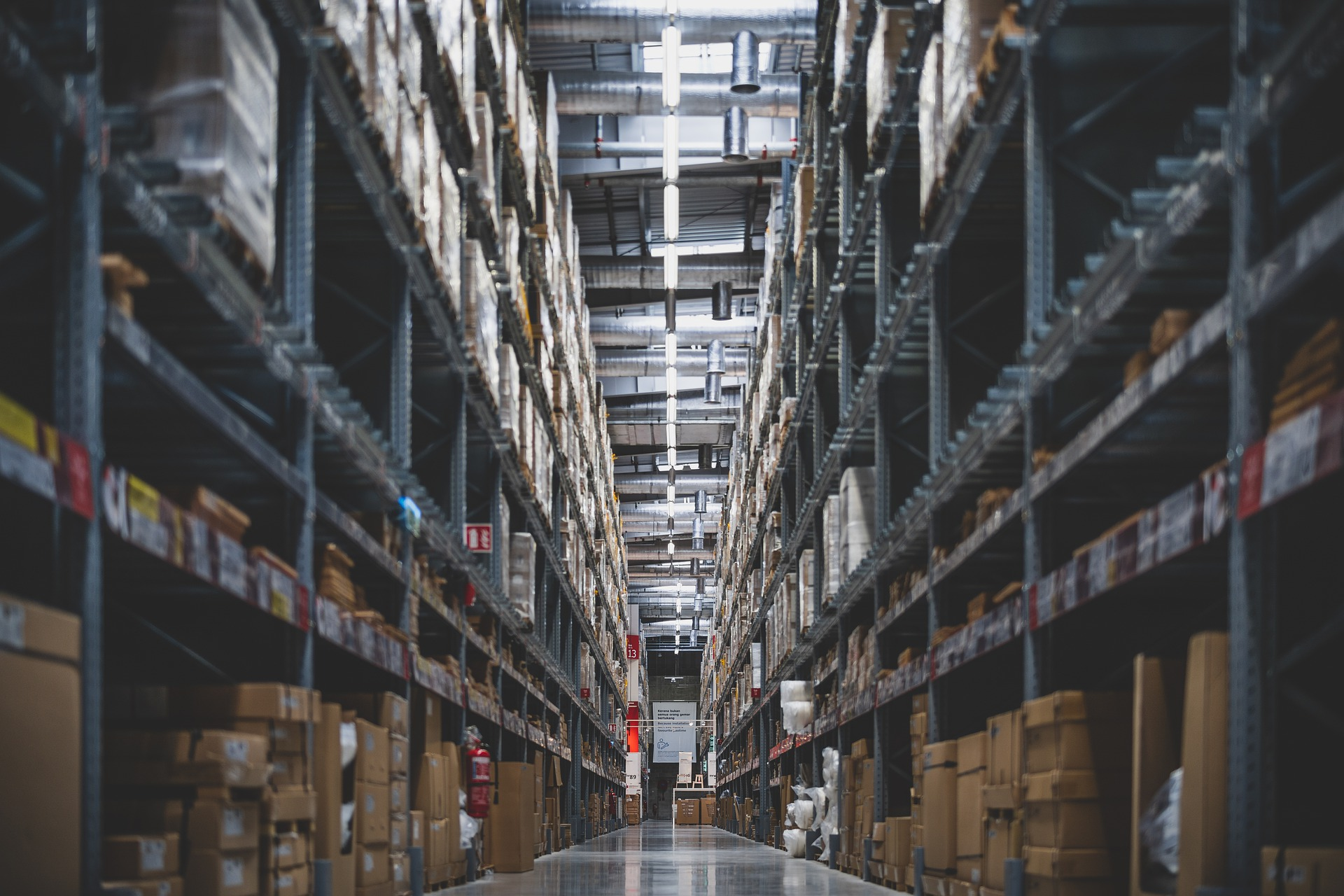 Improve warehouse management efficiency with RFID technology