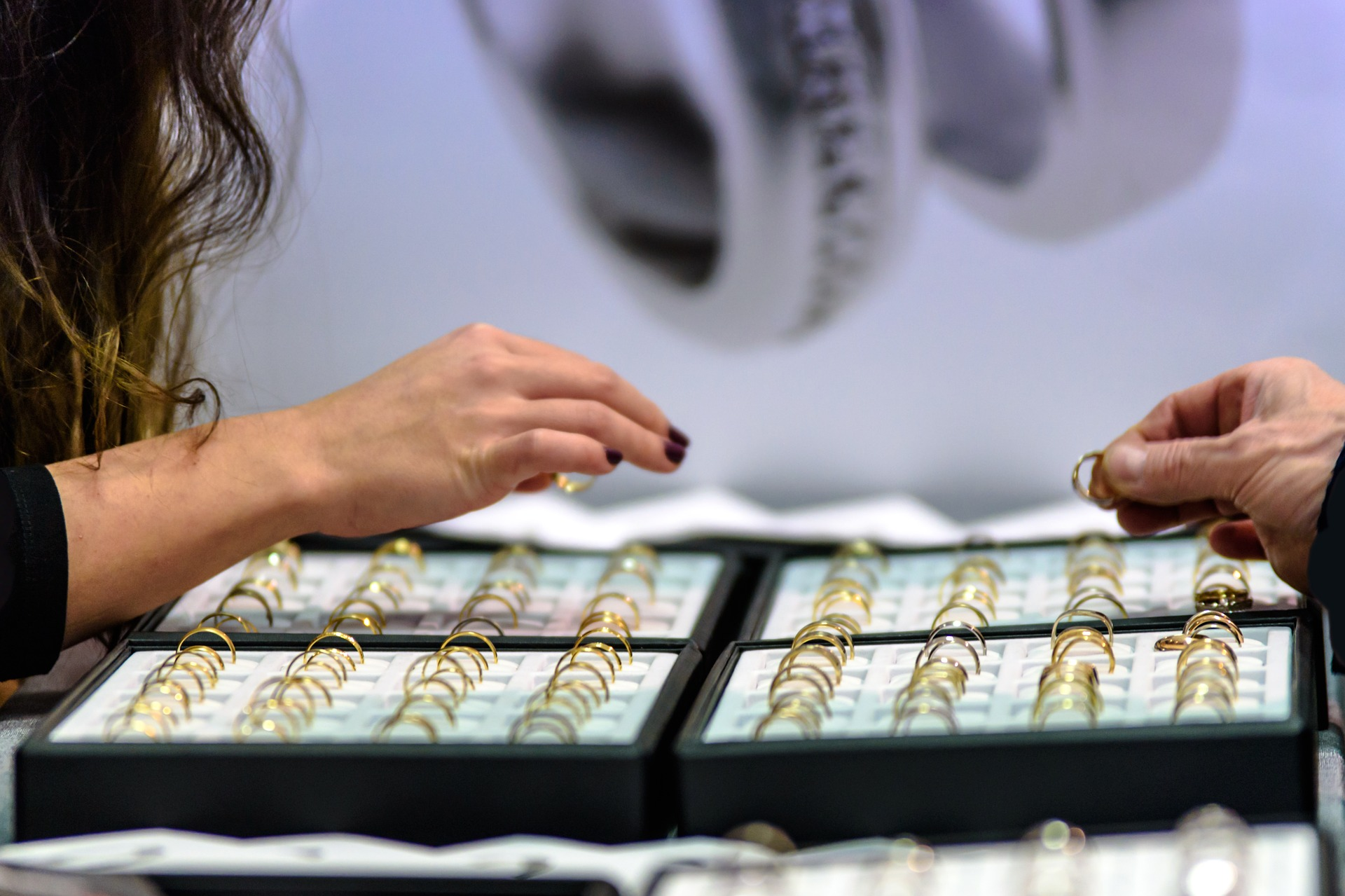 RFID technology minimises the risk of managing and tracking jewellery
